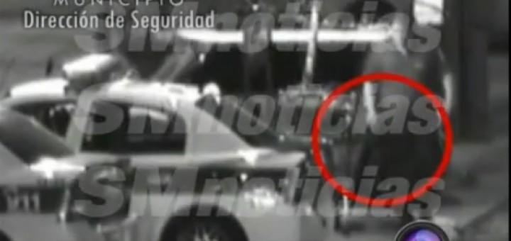 Policia saca pruebas del minicooper Hurlingham