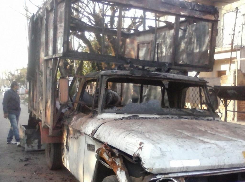 quema de camioneta del concejal de Hurlingham