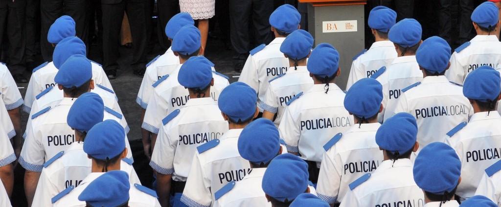 04/03/2015. Ezeiza.- El gobernador Daniel Scioli, puso en marcha hoy la primer camada de la Policía de Prevención Local de la Provincia de la Provincia en el partido de Ezeiza, junto al ministro de Seguridad, Alejandro Granados. Prensa Gobernación.