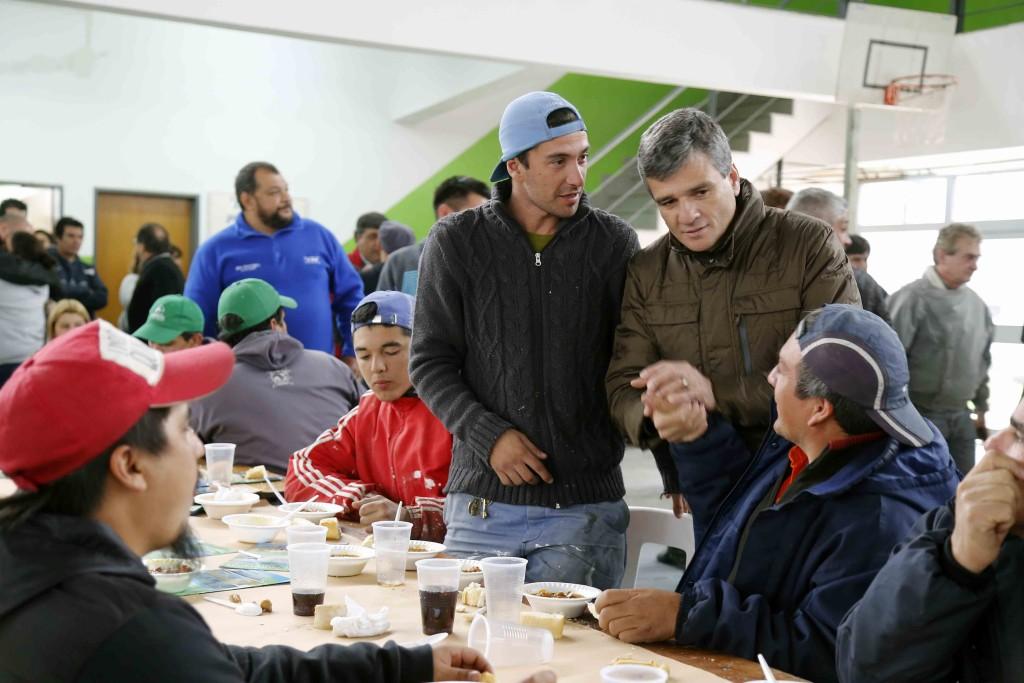 zabaleta con trabajadores municipales 2