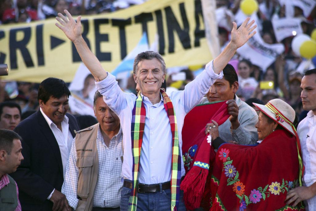 zzzznacp2NOTICIAS ARGENTINAS HUMAHUACA, JUJUY, NOVIEMBRE 19: El candidato presidencial de Cambiemos, Mauricio Macri, durante el cierre de campaña en Jujuy. Foto NAzzzz
